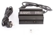 Nabíjačka 67.2V / 4Ah Li-Ion batériou 60V pre elektrokoloběžky Silver Line a Black Line